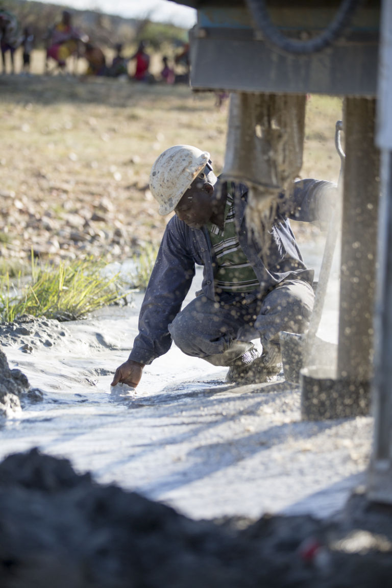 MOM drills a water well at Ilturisho Kenya